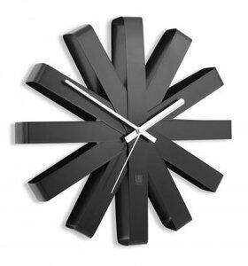 afbeelding van Umbra Ribbon Black 32 cm klok